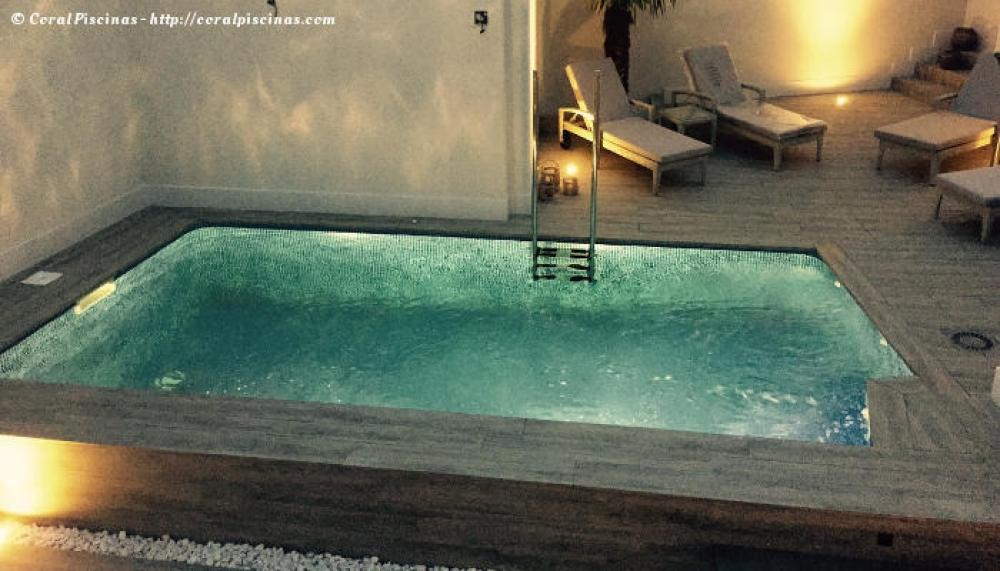 Coral piscinas empresa de piscinas en valencia for Construccion piscinas valencia
