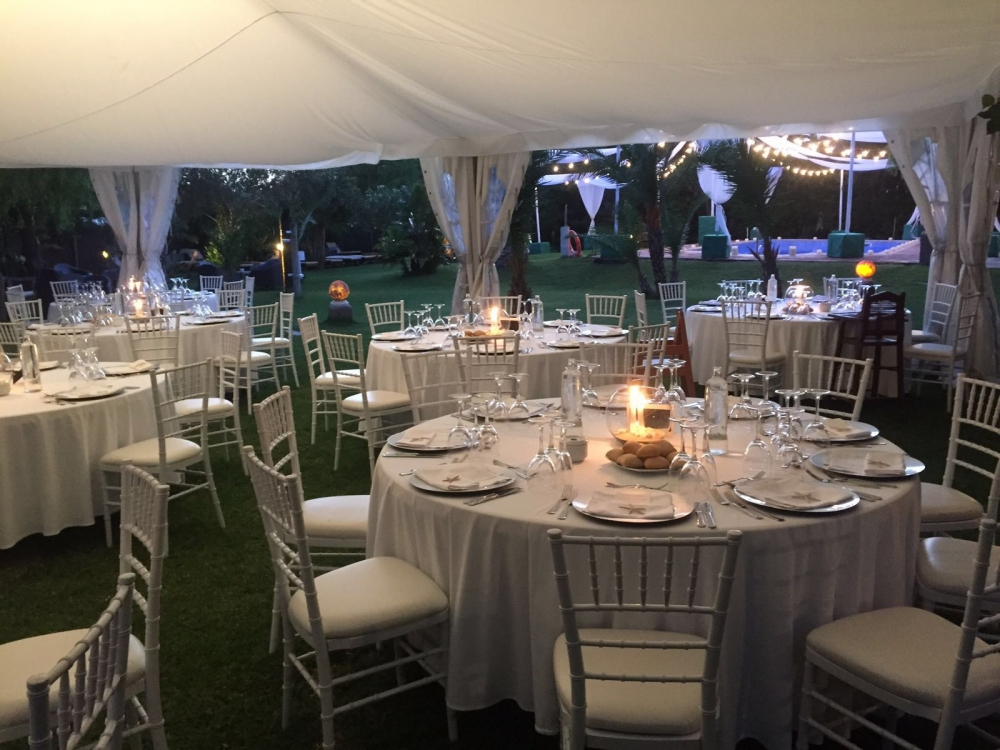 Decoracion de carpas para bodas top como decorar carpas for Alquiler decoracion bodas