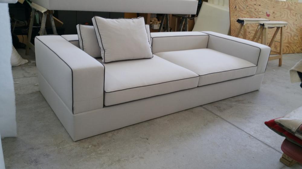 Precio sofas sof plazas metros totales extraible hasta for Muebles baratos hospitalet llobregat