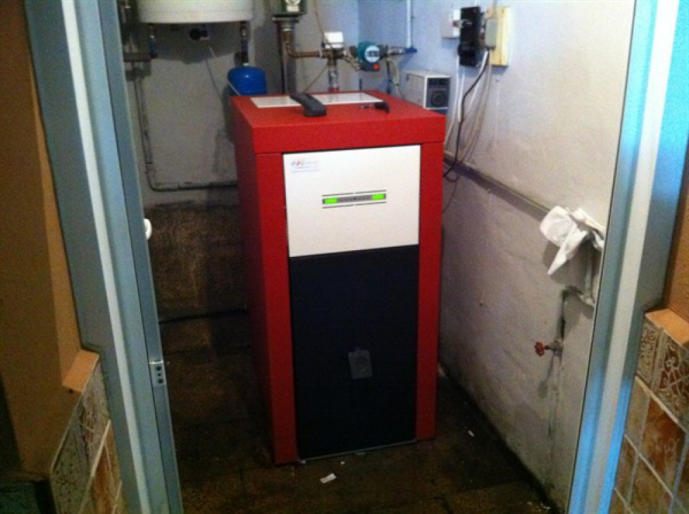 Caldera de pellets para piso gallery of estufas de - Se puede instalar una caldera de biomasa en un piso ...