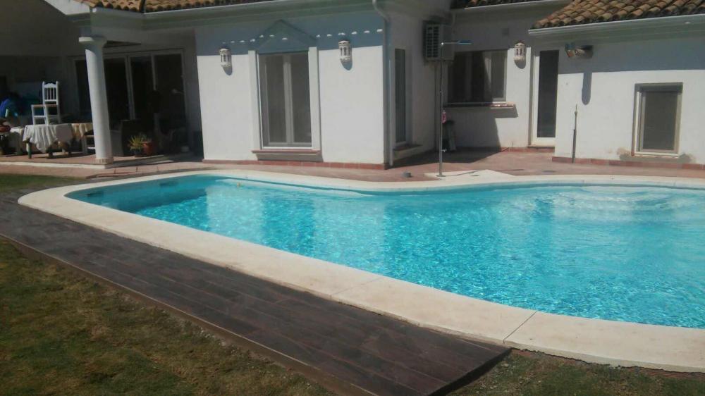 Piscinas de hormigon precios latest piscina de piscinas for Piscinas precios hormigon