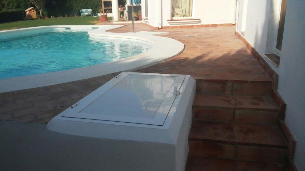 Piscinas tecnopool construcci n de piscinas en algeciras for Piscina algeciras