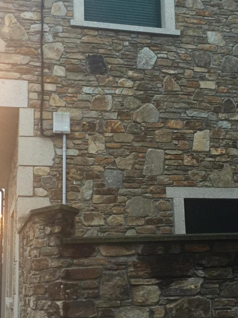Piedra para revestir fachadas fabulous de piedra natural for Piedra rustica para fachadas