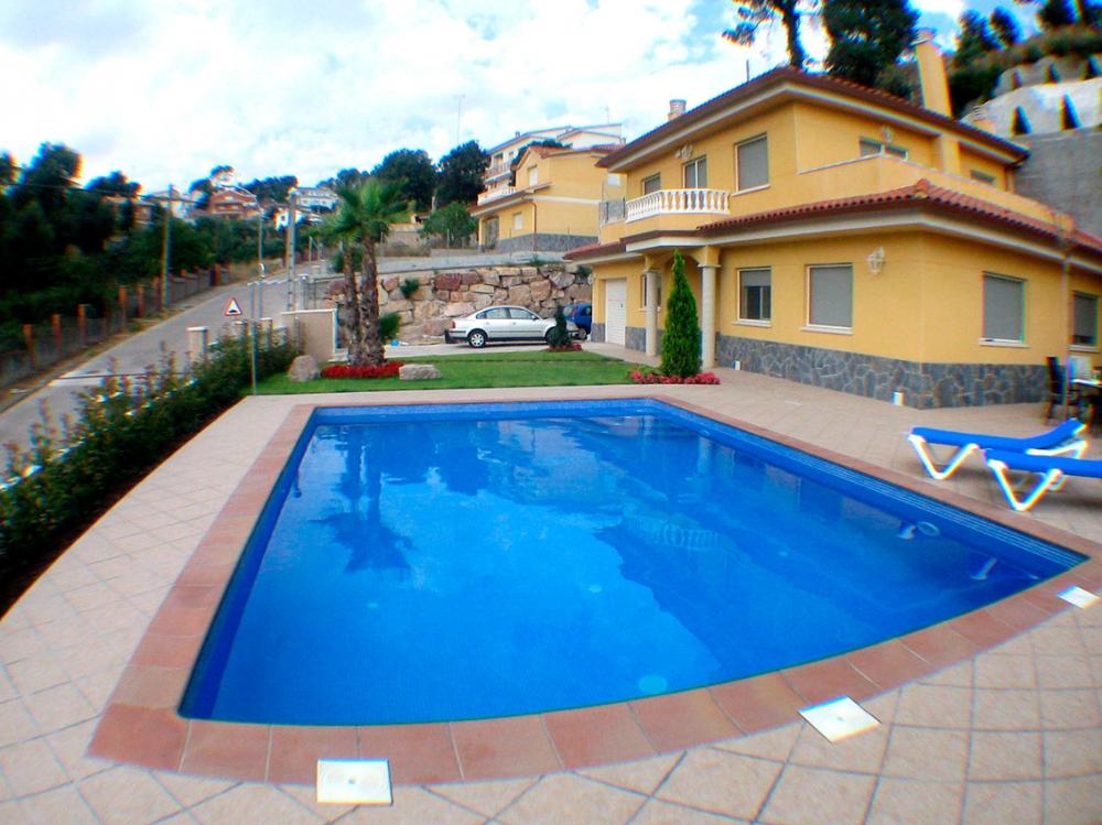 Precio de piscinas de obra elegant piscina de arena nelis - Piscinas pequenas precios ...