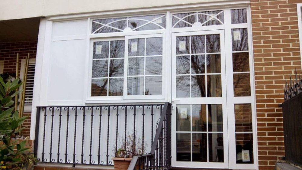 Cuanto cuesta cerrar un balcon perfect robado de rihanna for Cuanto cuesta un toldo para balcon