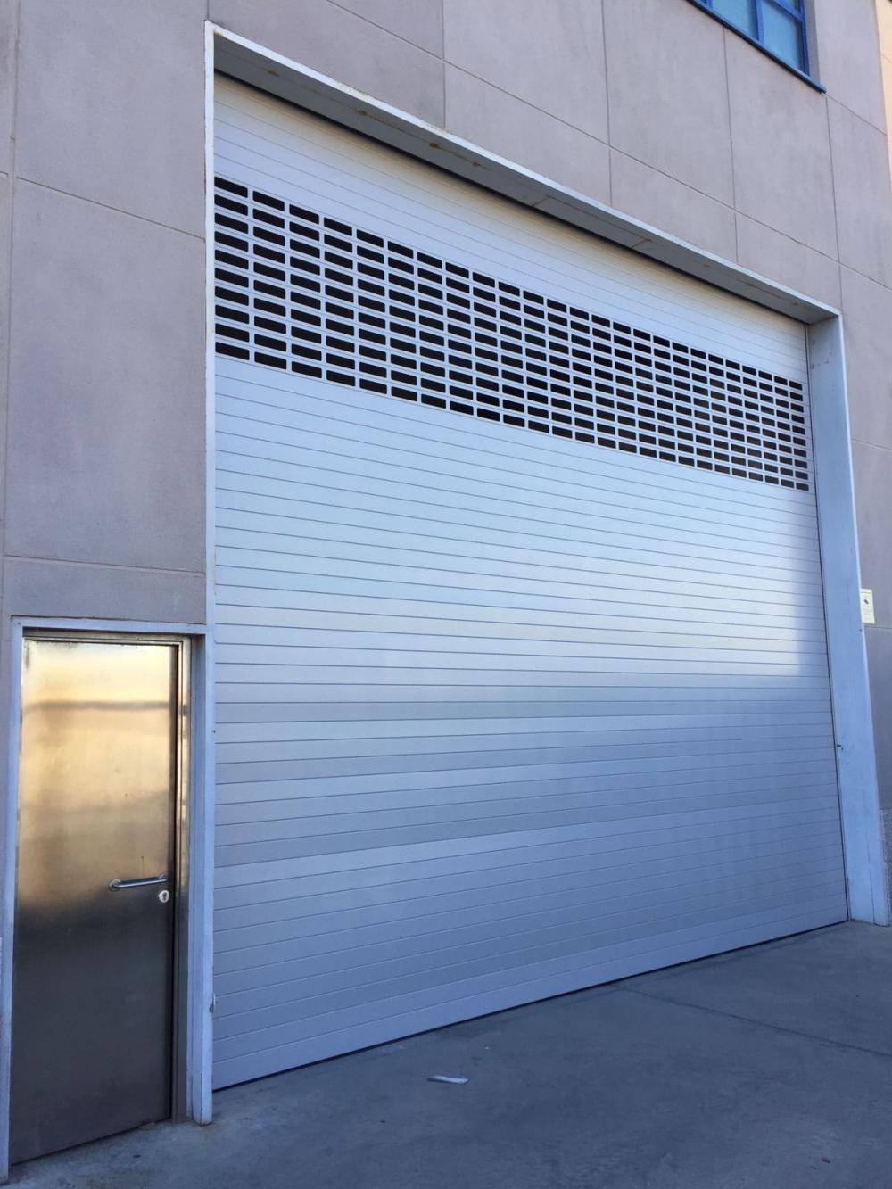 Puertas garaje automaticas precios puertas de garaje for Puerta garaje seccional precio