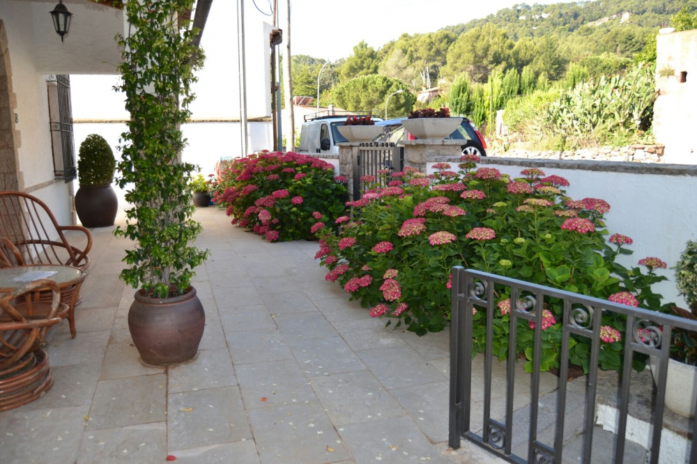 Jardines economicos nueva colecci n de muebles de jard n for Jardines economicos