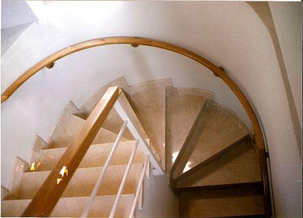 Construcci n de escaleras lillo madrid madrid for Construccion de escaleras