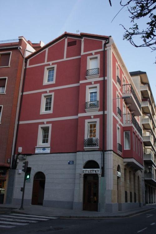 Rehabilitaci n de fachadas en bilbao aced construcciones for Tejados y fachadas vizcaya