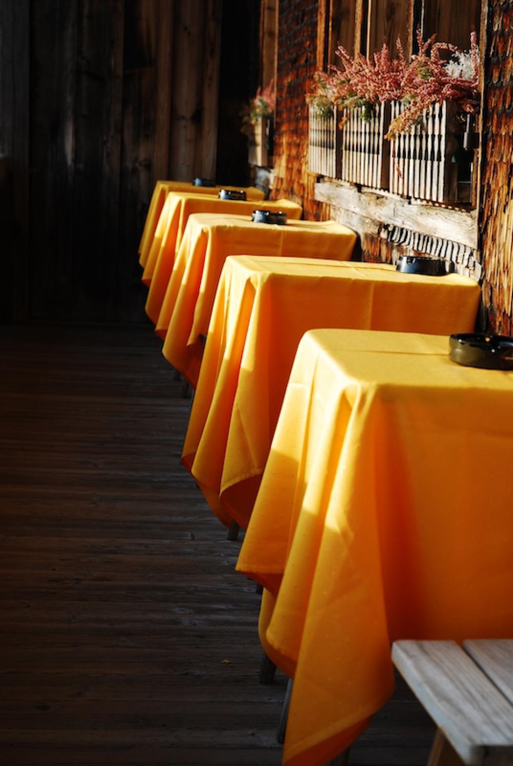 La ca ada tintoreria tradicional en villanueva de la for Precios limpieza alfombras madrid