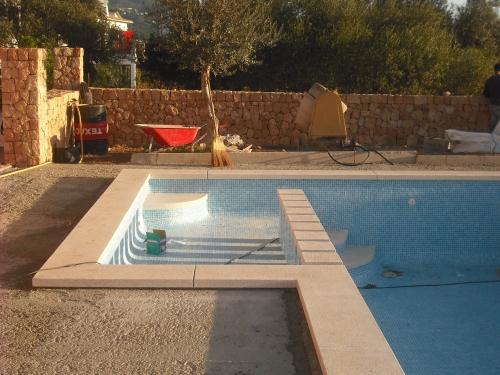 Piscinas jm rustic construcci n de piscinas en mallorca - Construccion piscinas mallorca ...