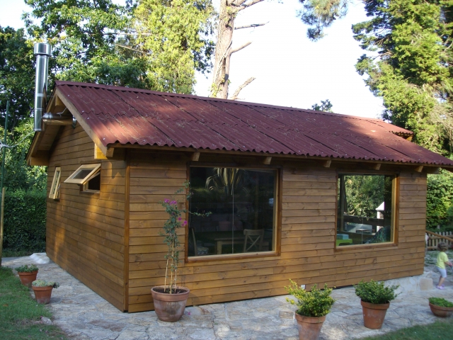 Construir una casa economica stunning informtico que un for Casas de madera economicas