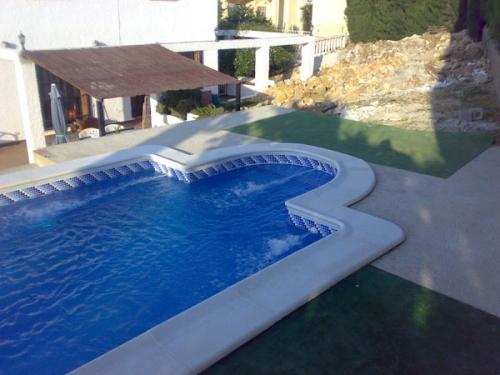 Empresa de construcci n mantenimiento rehabilitaci n y for Construccion piscinas valencia