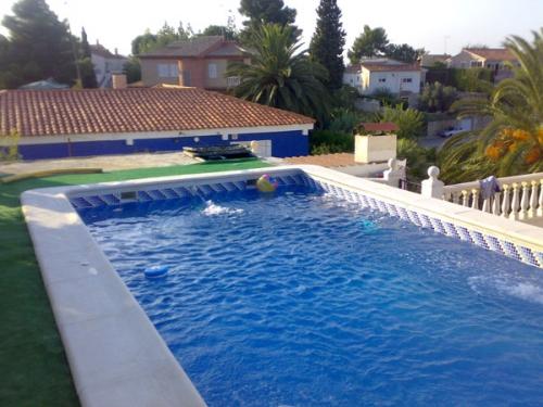 Empresa de construcci n mantenimiento rehabilitaci n y for Empresas de construccion de piscinas