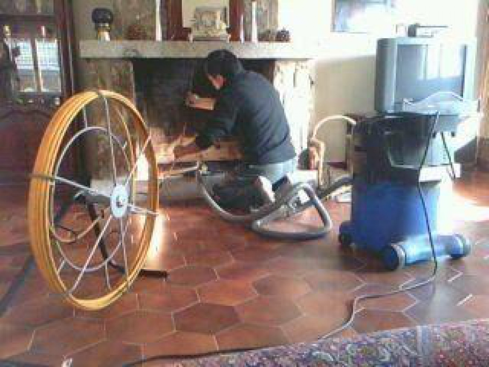 Como deshollinar una chimenea cenizas with como - Como limpiar chimenea ...