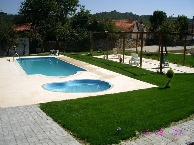 Gesti n piscinas venta de piscinas de poliester en - Piscinas en santander ...