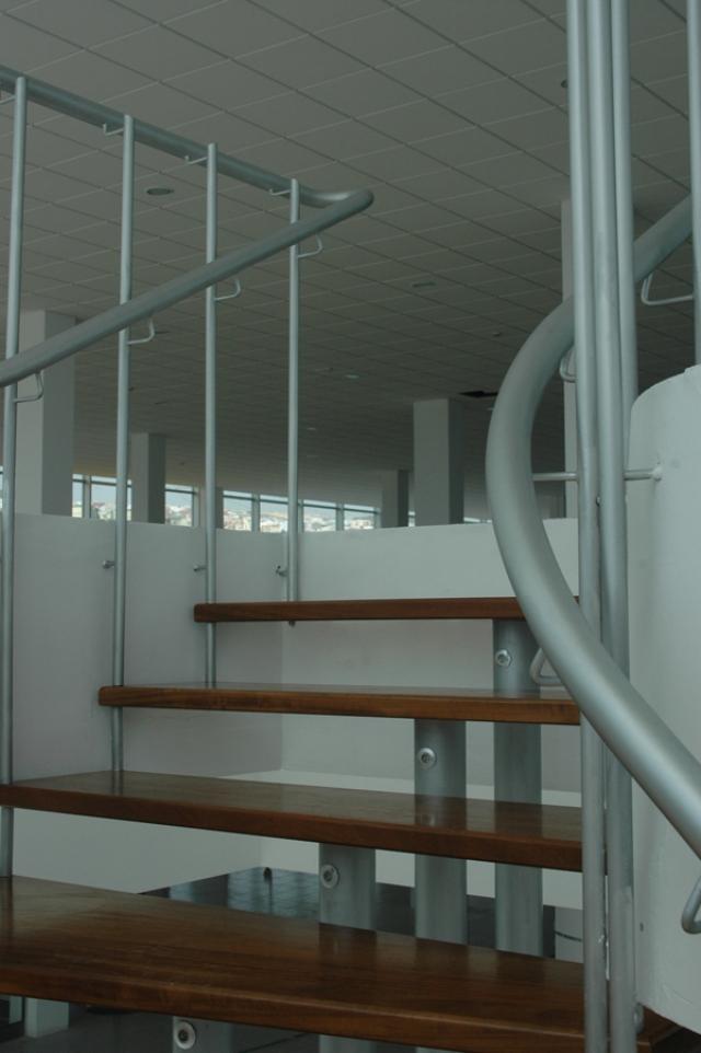 Carpinter a met lica para instalaciones de puertas de for Puerta garaje metalica