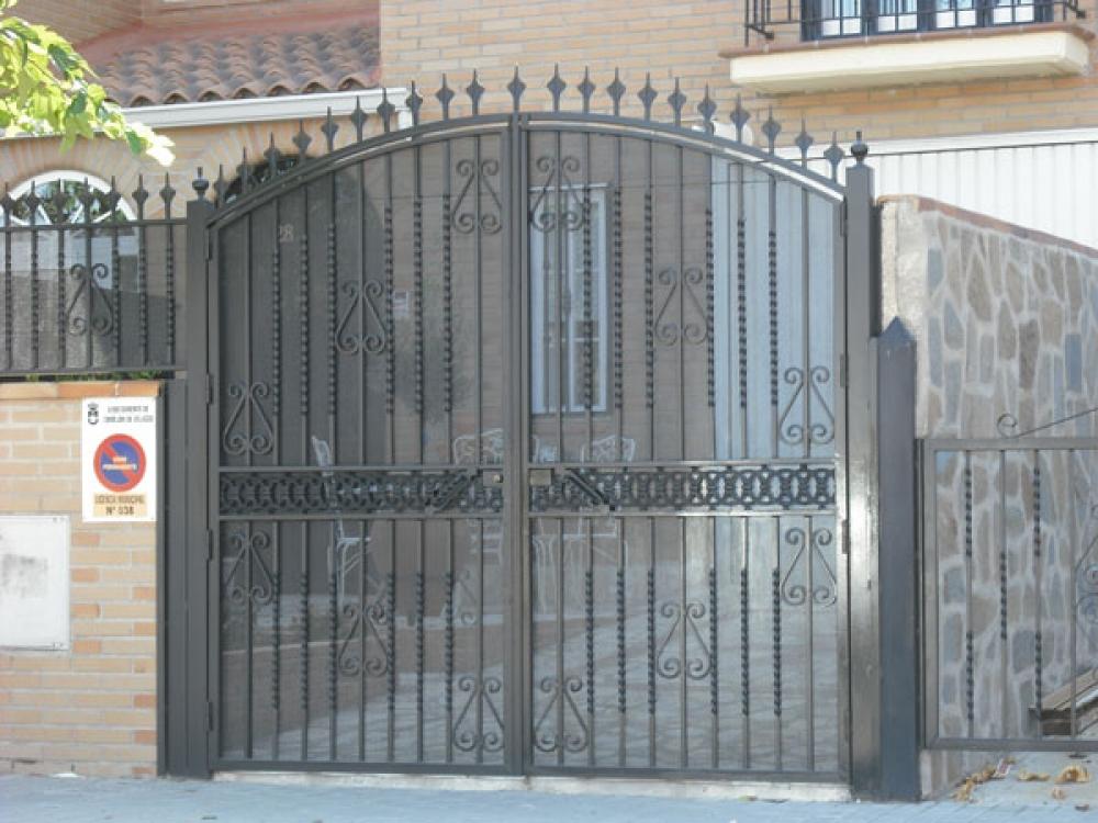 Puertas metalicas garaje awesome puertas metalicas garaje for Puertas metalicas precios