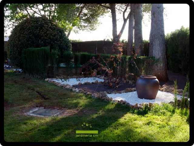 Jardiner a cm empresa de mantenimiento de jardines en for Arboles jardineria