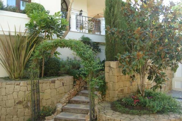 Fantastic gardens a j empresa de jardiner a en marbella - Empresas de jardineria en malaga ...