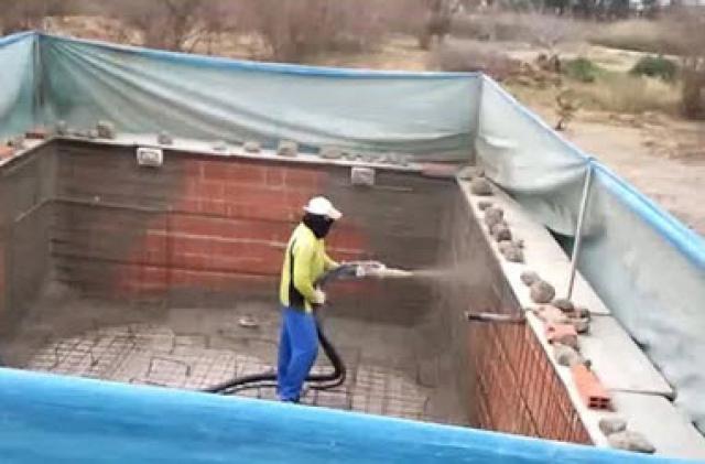 Empresa de construcci n de piscinas de obra de hormig n for Empresas construccion piscinas
