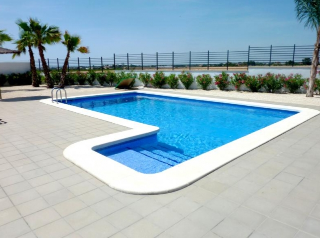 Servico empresa de construcci n de piscinas particulares for Piscina torrevieja