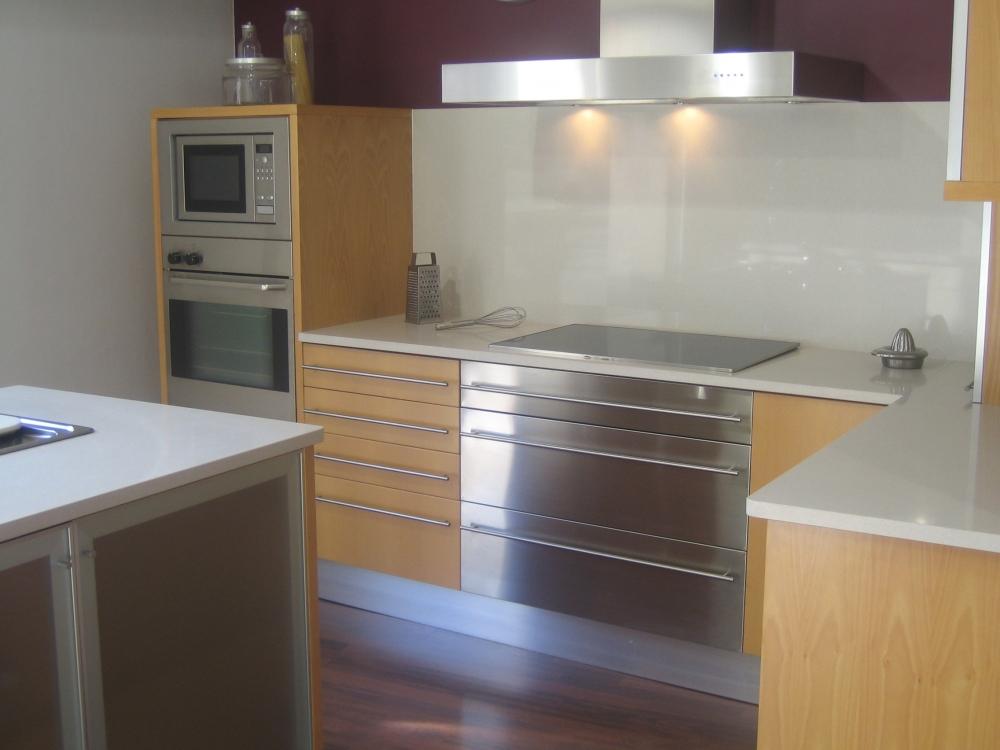 Omyst almer a empresa para construir casas y hacer for Cocinas completas baratas