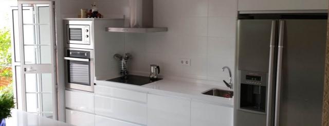 Luarco empresa de montaje y diseño integral de cocinas, en brillo ...