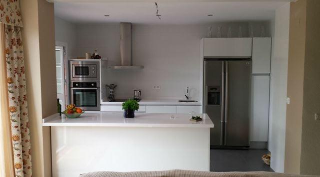 cocinas de diseño en melamina, cocinas lacadas y venta de muebles de
