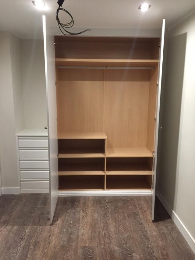 Hacer armarios a medida top r juvenil compacto de dos for Closet blanco pequeno