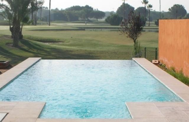 Precio de piscinas de obra elegant piscina de arena nelis for Precio construir piscina obra
