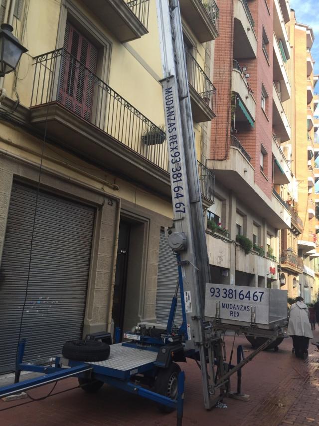 Mudanzas rex mudanzas a buen precio en catalu a empresa for Muebles gava