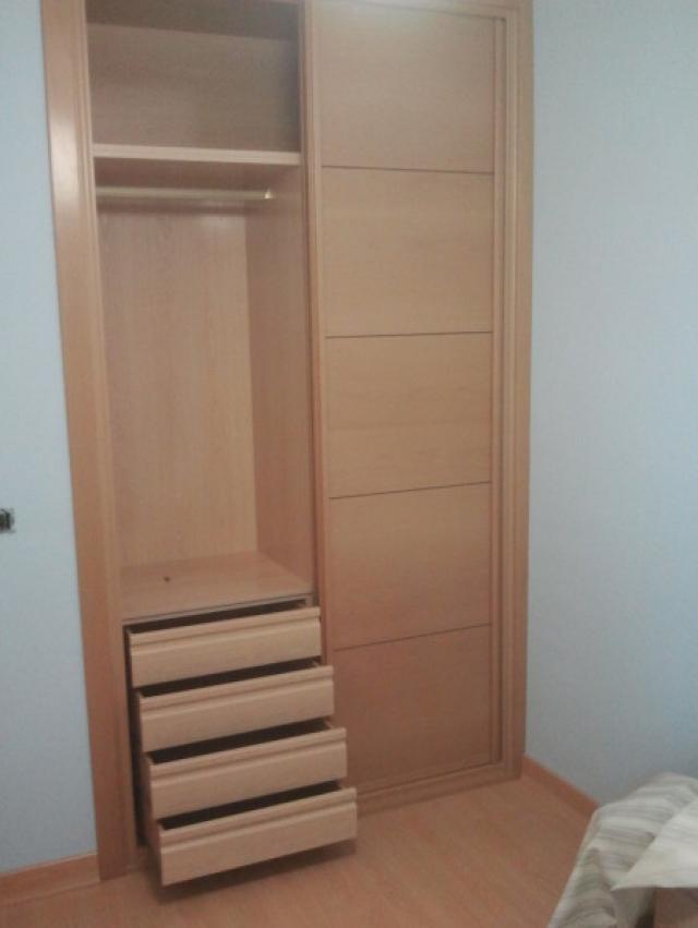 Cambiar puertas armario elegant armario puertas abtibles - Cambiar puertas de casa ...