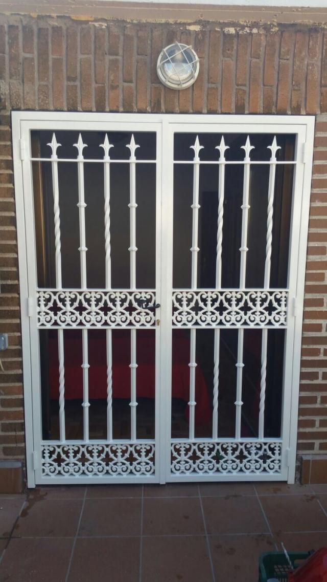 Rejas de hierro para puertas free porta corredera - Rejas de hierro para puertas ...