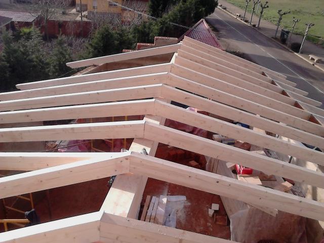 Tejados madera empresa de construccin de tejados de for Tejados de madera vizcaya