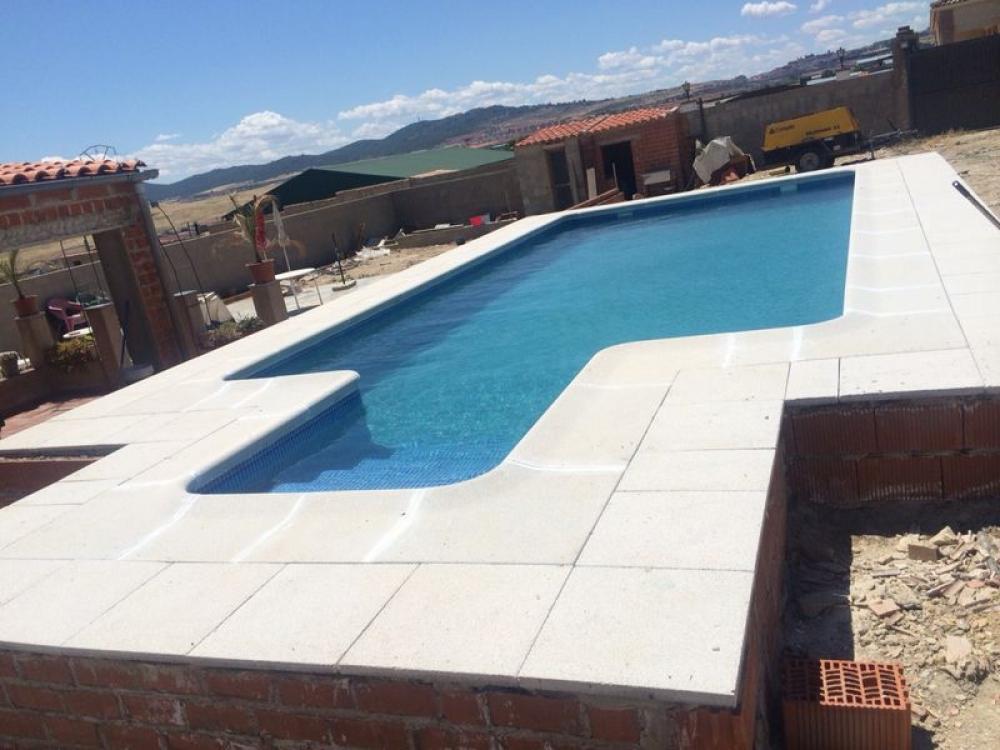 Gt piscinas y construcciones empresa de construcci n de - Hormigon impreso badajoz ...