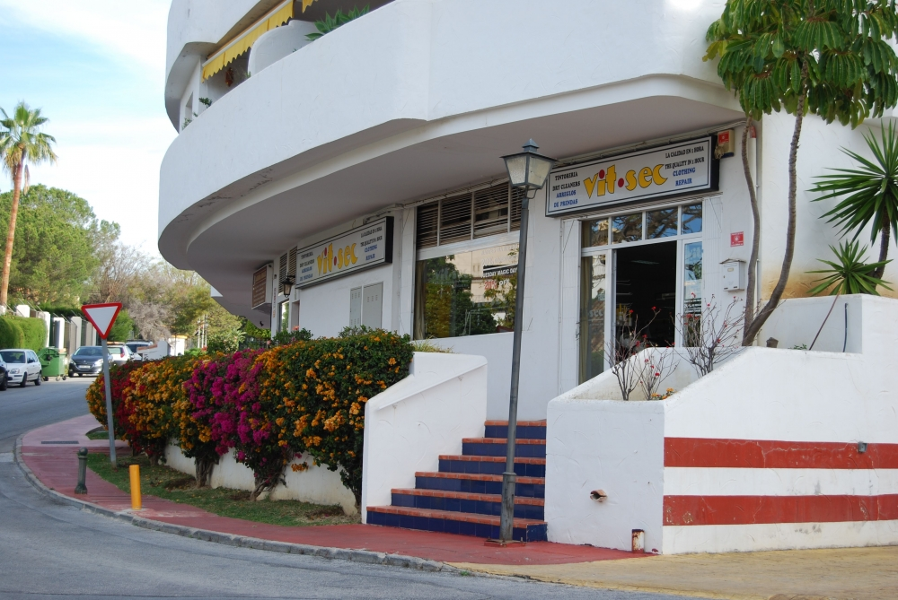 Vit Sec, tintorería de alto standing en Marbella. Limpieza en seco ...