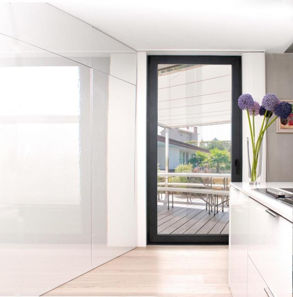 Lucor ventanas y fachadas fabricantes de ventanas for Puertas correderas sevilla