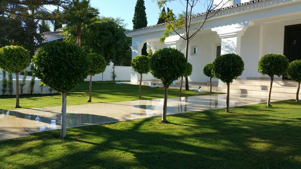 Ongreenline dise ar jardines en marbella construcci n y - Empresas de jardineria en malaga ...