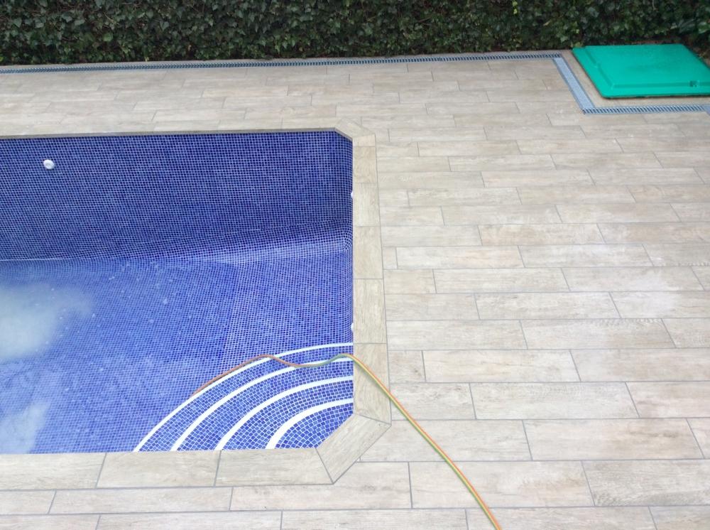 Construcciones reformas y piscinas empresa de for Construccion piscinas economicas