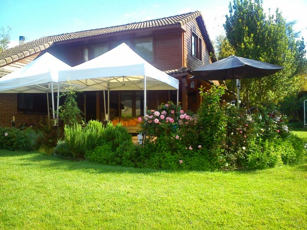 Jardin encantado alquiler de jardines para celebraciones for Alquiler casa con jardin barcelona