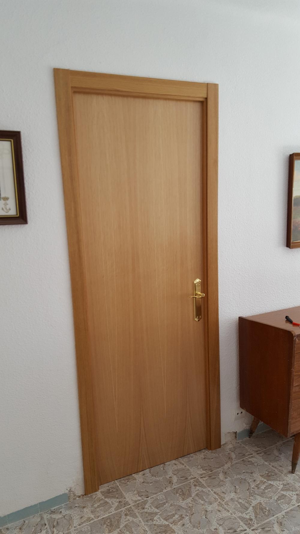 , hacer o instalar revestimientos y frentes de armarios en Alicante