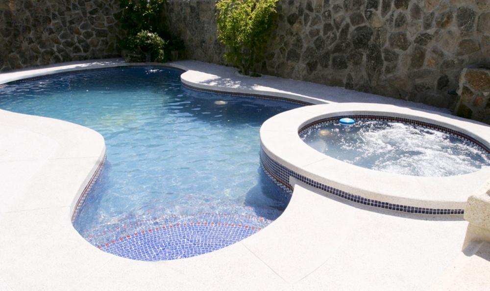 Cloragua empresa constructora de piscinas en madrid sur for Piscina fuenlabrada