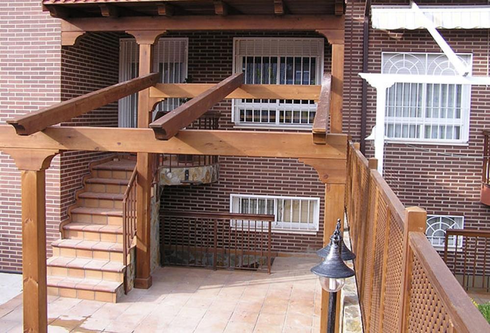 Construir porches de madera en Madrid. Montar pérgolas de madera ...