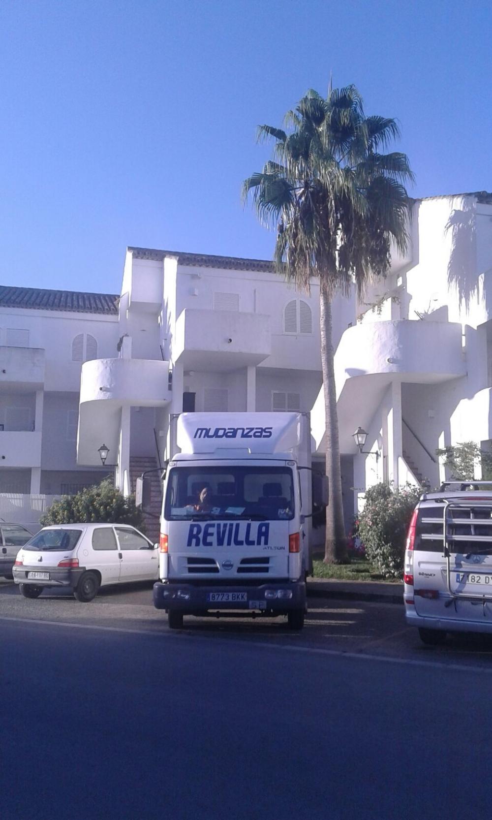 Mudanzas revilla empresa de mudanzas profesionales en cantabria mudanzas de pisos en laredo - Muebles jose maria santander ...