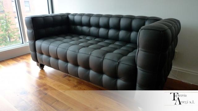 Tapicer a arregi empresa de tapicer a de muebles butacas for Sofas baratos en guipuzcoa
