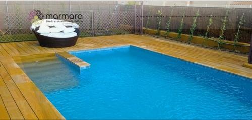 Piscinas marmara empresa de dise o y construcciones de for Constructores de piscinas