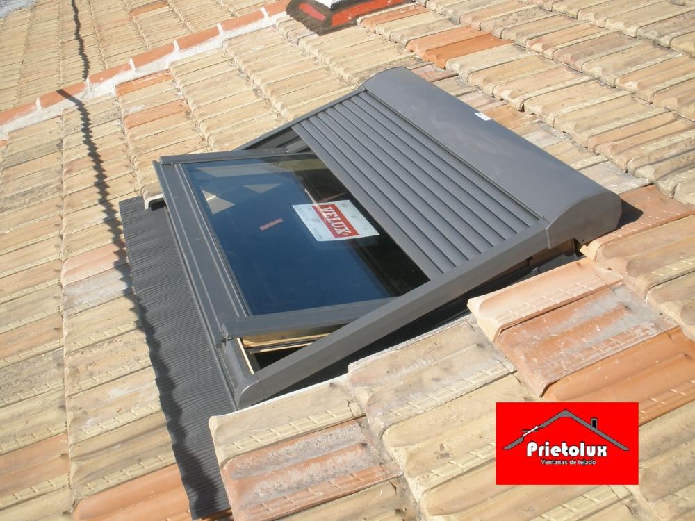 Prietolux ventanas de tejados velux en madrid empresa for Ventanas para techo