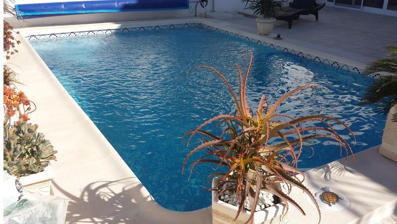 Decoline piscinas empresa de construcciones de piscinas for Empresas de construccion de piscinas