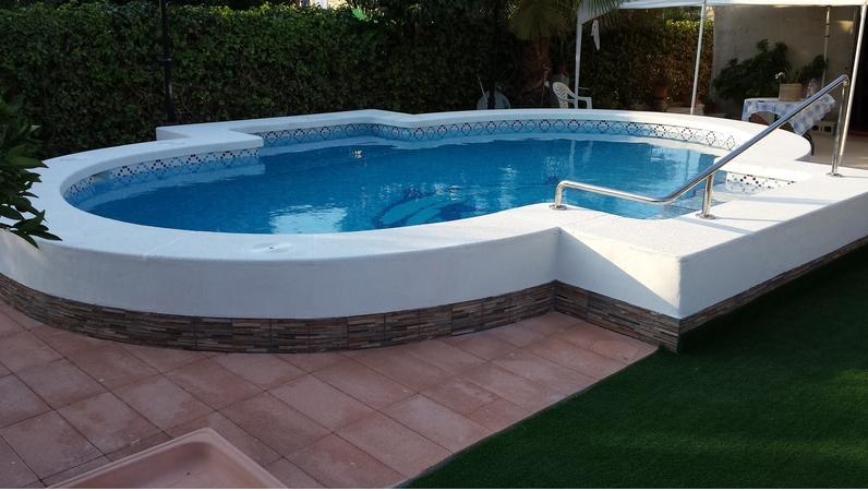 Decoline piscinas empresa de construcciones de piscinas for Piscinas economicas
